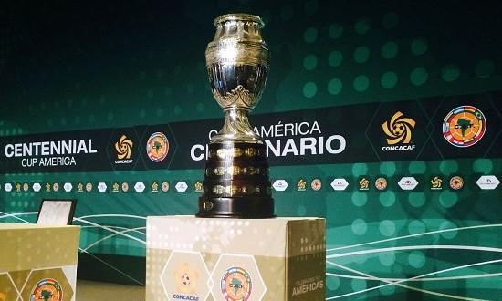 COPA AMÉRICA trofeo 2 chica