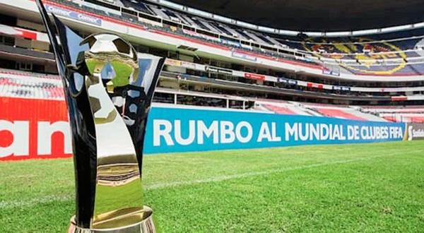 CONCACAF trofeo en el azteca