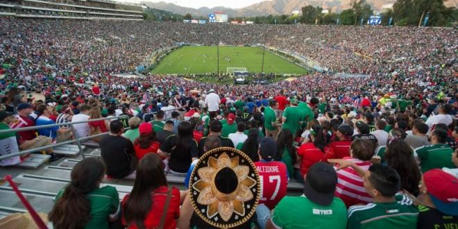 Action photo during the Match Mexico vs United States, at Rose Bowl Stadium, CONCACAF Cup 2015.  Foto de accion durante el Partido Mexico vs Estados Unidos  en el Estadio Rose Bowl, Partido Correspondiente a la Copa CONCACAF 2015, Por el pase a Copa Confederaciones 2017, en la foto: Rose Bowl  10/10/2015/ MEXSPORT/ David Leah.